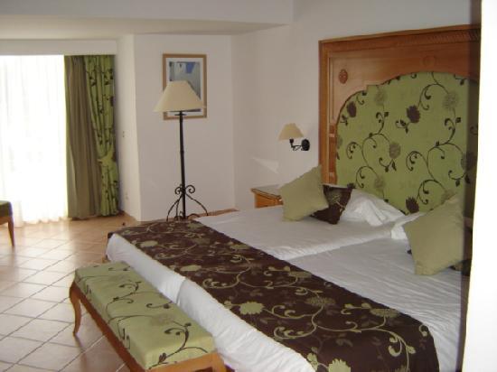 Hotel Riu Palace Hammamet Marhaba: quarto muito espaçoso e confortável - bungalow