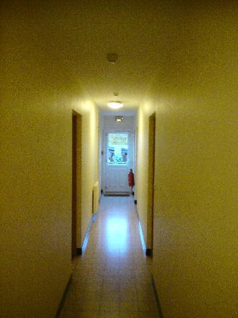 Au Relais de la Lieure: Couloir Hotel