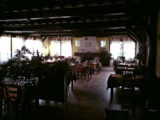 Au Relais de la Lieure: Restaurant