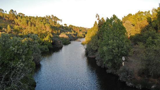 Canas de Senhorim, Portugal : Mondego river