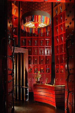 Little Buddha Restaurant Sushi Bar & Lounge : Foyer