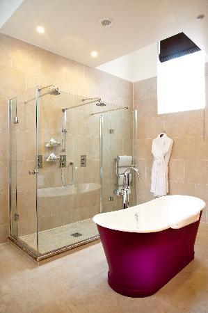 The Grand Hotel & Spa: Junior Suite Bathroom
