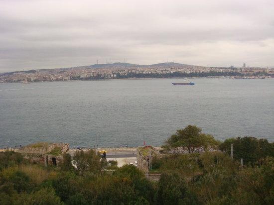 Daily Istanbul Tours: veiw of Bosporus
