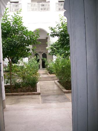 Zaouia 44: view into courtyard