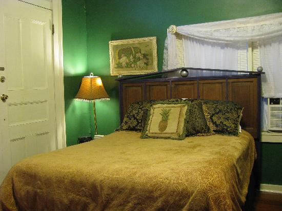 Dauphine House Bed and Breakfast: Dauphine House