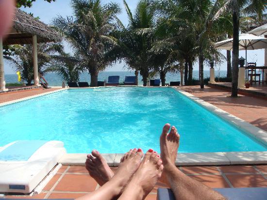 Suoi Tien Mui Ne Resort : by the pool