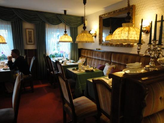 Hotel Meder: die Residenz am Rhein: Cozy breakfast room