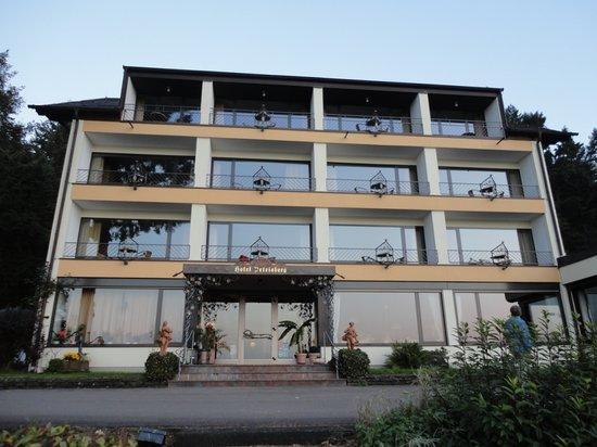 Petrisberg: Front of Hotel