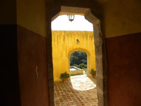 Borgo San Fedele: The archways