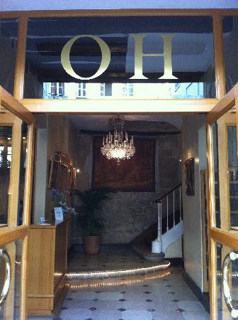 Odeon Hotel: The front door of L'hotel Odeon