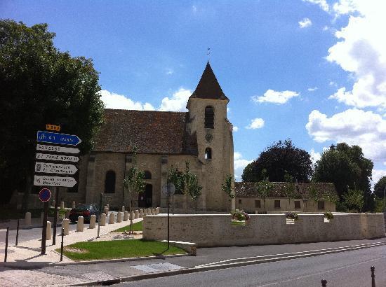 BEST WESTERN Paris CDG Airport: The village church