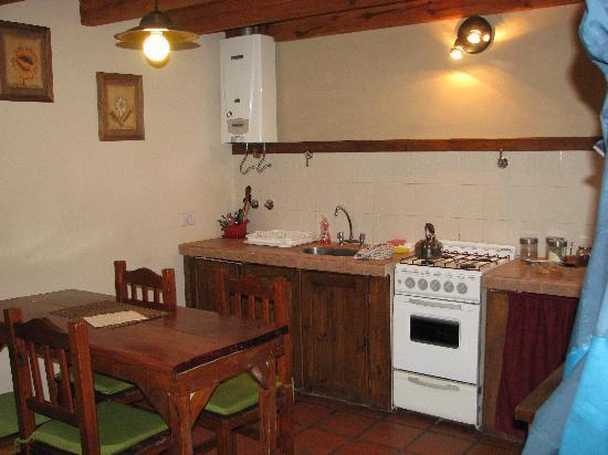 Anita's House Cabins: kitchen area