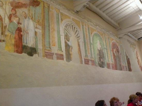 Borgo San Fedele: Frescos
