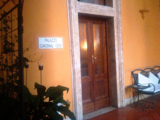 Palazzo Cardinal Cesi: Entrance