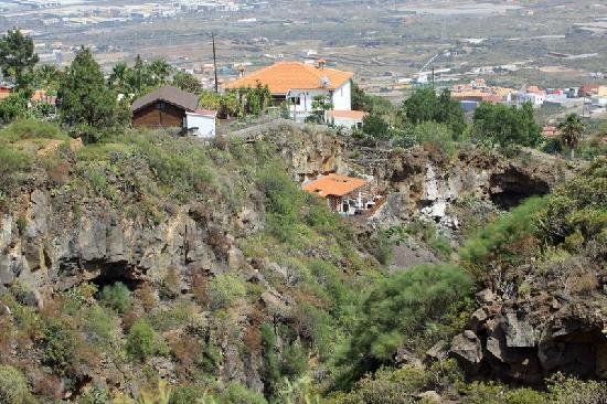 El Autentico: Vue de La Finca et du restaurant dans la montagne