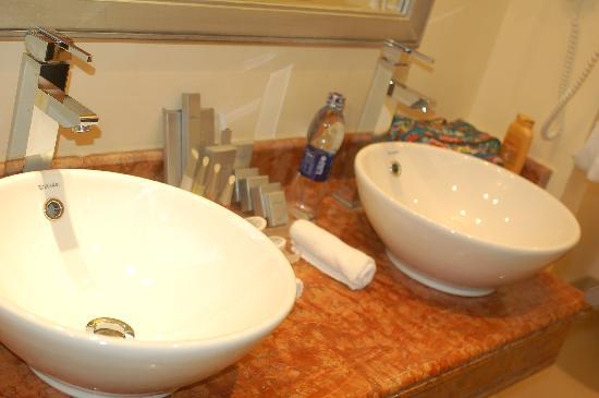 Sensimar Premier Le Reve: Nice bathroom