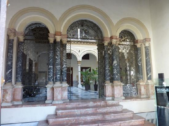 Hotel Palacio de Villapanes: Entrance
