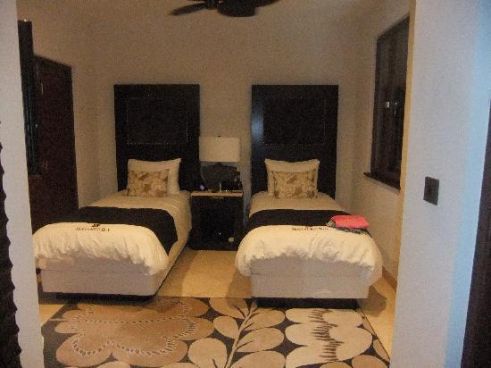 Buccament Bay Resort: luxury bedroom