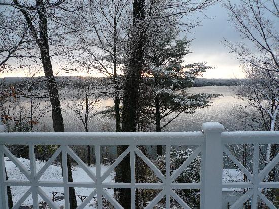 Manoir Hovey: Vuee sur le lac