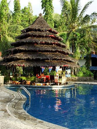 Tasik Ria Resort Manado: Pool Bar