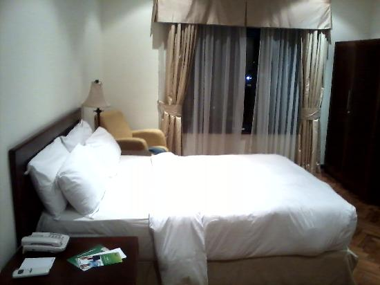 Holiday Inn Accra Airport: room