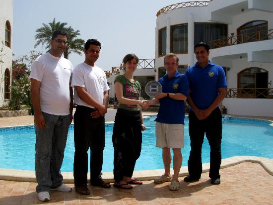 "Dahab Dorms: Hostelworld ""Best Hostel Africa 2009"" Awarded By The Pool"
