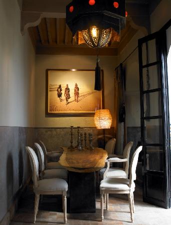 Ryad Dyor: living room