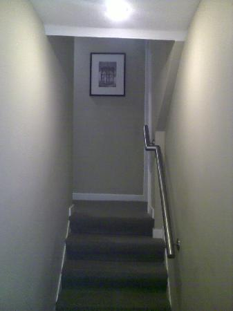 Loch Fyne Hotel Kenilworth: Many changes of level in the corridors ...