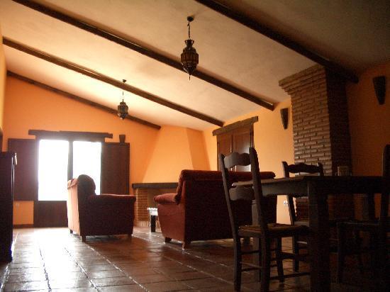Serrato, España: Spacious interiors
