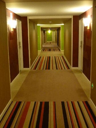 InterContinental Athenaeum: hallway