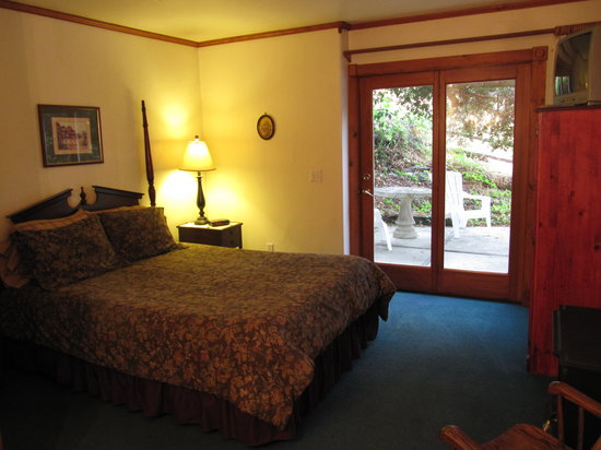 Oak Hill Inn : bedroom area