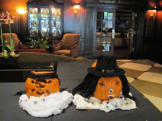 DoubleTree by Hilton Hotel Atlanta - Buckhead: ハロウィンの飾り付け
