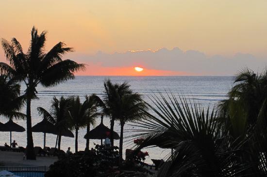 Le Meridien Ile Maurice: Mauritian Sunset