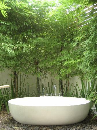 udendørs badekar Privat udendørs badekar   Picture of SALA Samui Choengmon Beach  udendørs badekar