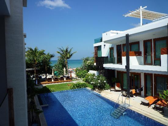 La Flora Resort Patong: プールビュー
