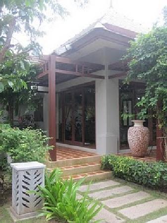 Bhumlapa Garden Resort: Royal Pool Villa