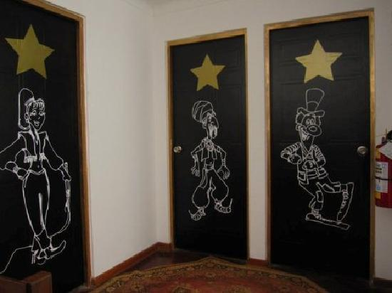Cirque Hostel: Personalized Rooms