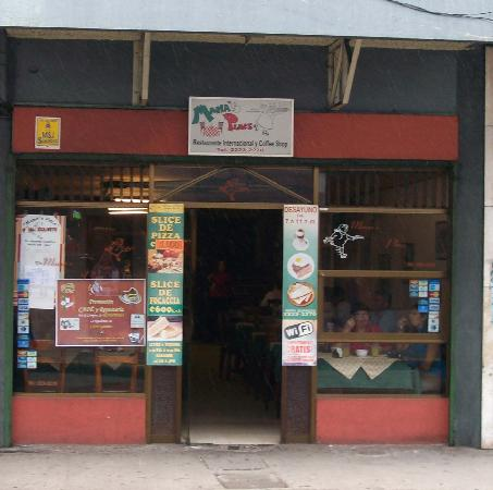 Mama's Place on Avenue Uno