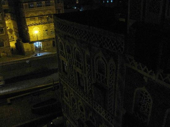 Sanaa, Jemen: another window view night
