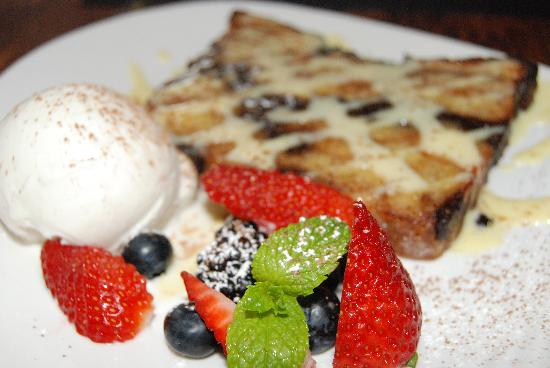 230 Forest Avenue Restaurant & Bar : chocolate  croissant bread pudding