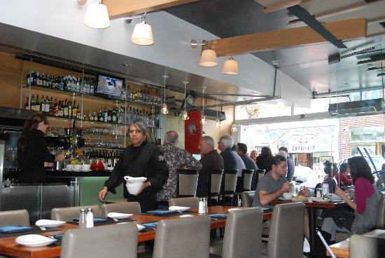 230 Forest Avenue Restaurant & Bar : interior