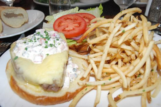 230 Forest Avenue Restaurant & Bar : ahi tuna burger