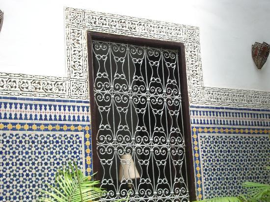 Riad Tizwa Fes: tilework