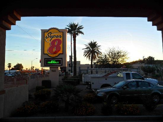 Super 8 Phoenix Downtown: Super 8 Pet Friendly