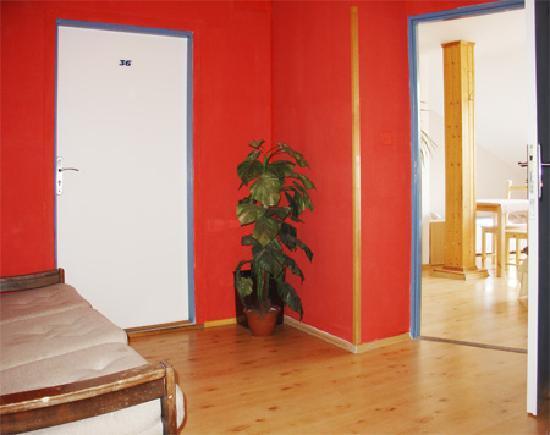 Hostel 5 - Plzenska : corrodor