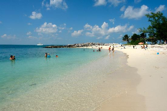 Fort Zachary Taylor Beach - Picture of Fort Zachary Taylor Historic ...