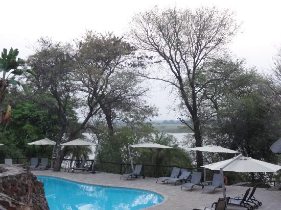 Cresta Mowana Safari Resort and Spa: プール
