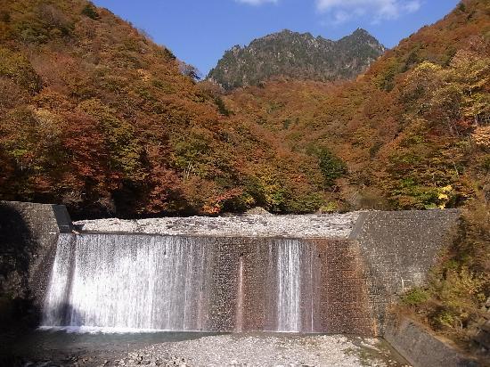 Yamanashi, اليابان: 鶏冠山を眺望