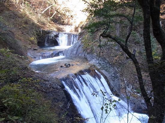 Yamanashi, Japonya: 七ツ釜五段の滝