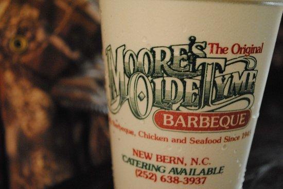 Moore's Olde Tyme Barbeque: Sweet Tea